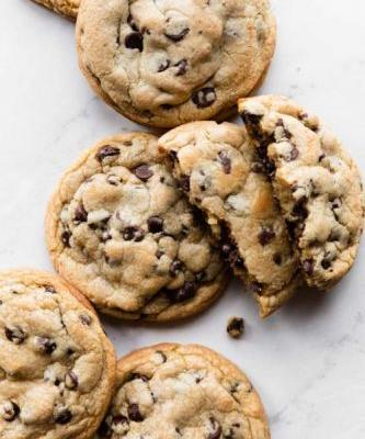 6 Giant Chocolate Chip Cookies