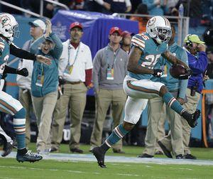 Patriots win streak ends with 27-20 loss at Dolphins