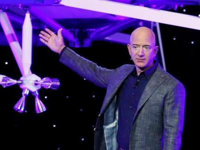 Jeff Bezos's huge ambitions for space include floating colonies with weather like 'Maui on its best day, all year long'