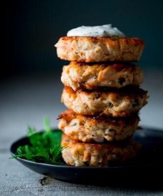 Lemon caper salmon cakes