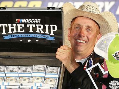 Greg Biffle wins in return to Truck Series after 5,313 days