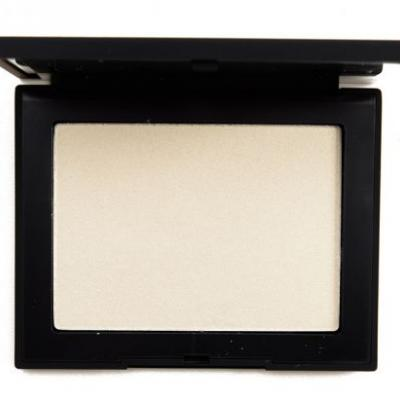 NARS Albatross Highlighting Powder Review, Photos, Swatches