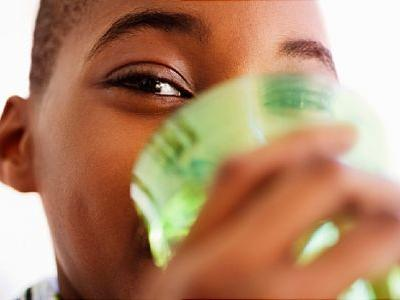 Lack of Water Consumption Tied to Kids' Obesity