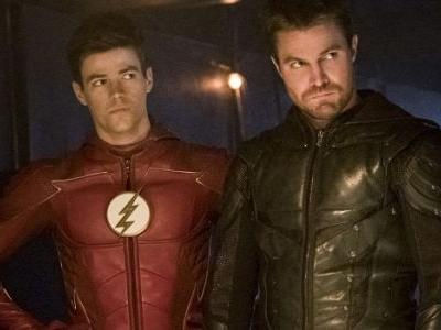 Check Out Stephen Amell As Flash And Grant Gustin As Green Arrow For This Year's Crossover