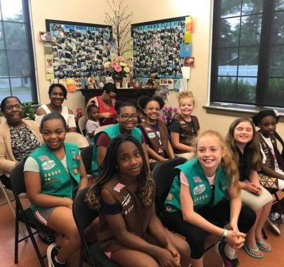 Girl Scout Troop 30305 Visits Winslow Animal Hospital | Winslow Animal Hospital Dog & Cat