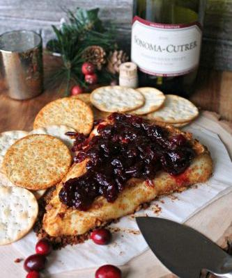 Gingerbread Crusted Baked Brie and Cranberry Sauce