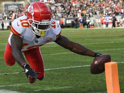 Chiefs WR Tyreek Hill under investigation for alleged battery, report says