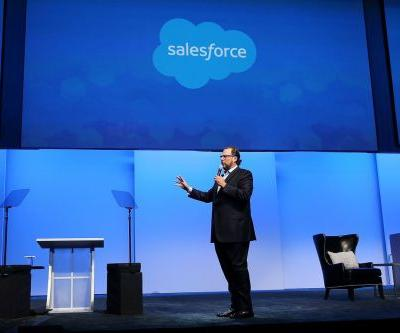 Apple and Salesforce create a strategic partnership to bring Siri to enterprise customers