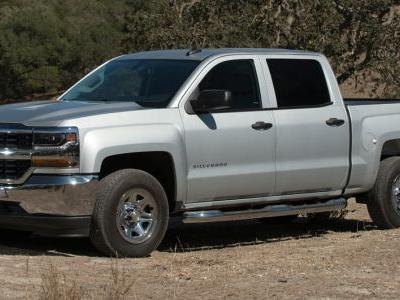 New Chevrolet Silverado And GMC Sierra Slated To Offer Carbon Fiber Beds