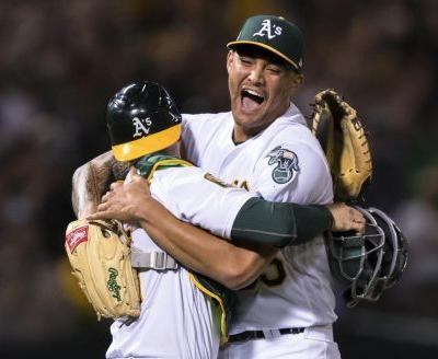 A's lefty Sean Manaea throws no-hitter against streaking Red Sox