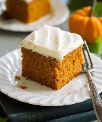 Easy Pumpkin Cake with Cream Cheese Frosting
