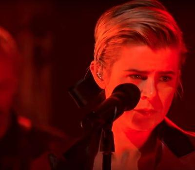 """Watch Robyn's Great """"Ever Again"""" Performance On Colbert"""
