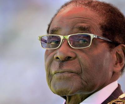 Mugabe to discuss exit with army commander