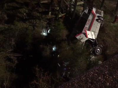 1 dead, 20 hurt after bus carrying high school students plunges into Alabama ravine