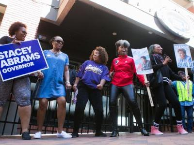 In Final Stretch, Groups Work To Get Young People, Minorities To The Polls