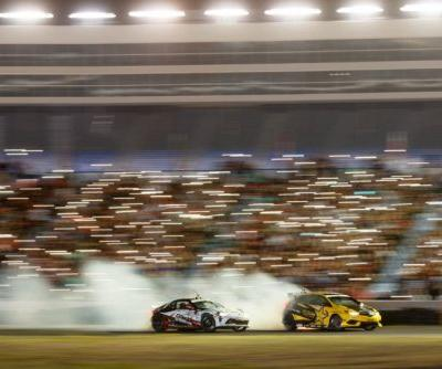 Car Racing Photographer Gets Crowd to Light Up a Photo with Phones