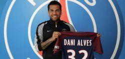 Dani Alves drops City for Paris