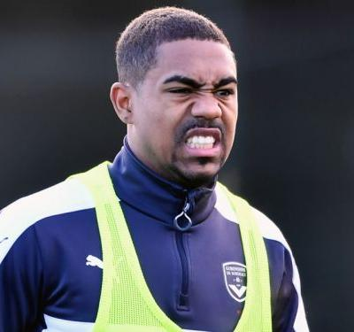 We'd send Poyet to a psychiatrist if he wanted Arsenal target Malcom to leave - Bordeaux