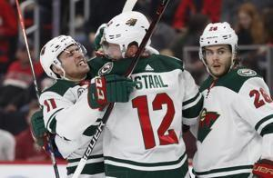 Wild win 2nd straight road game, beat Red Wings 3-2