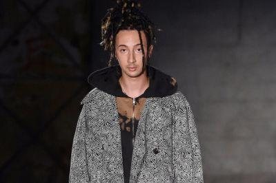 Damir Doma's 2018 Spring/Summer Collection Puts Bold Prints and Loose Construction in Focus