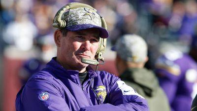 Vikings coach Zimmer to take time off after latest eye surgery