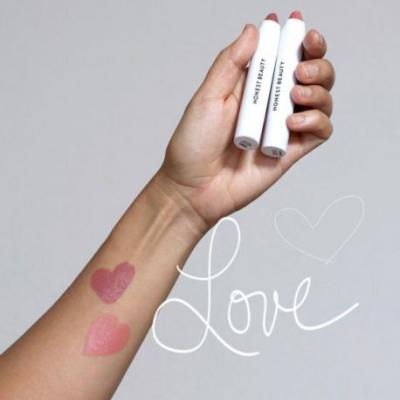 Product Spotlight: Honest Beauty Demi-Matte Lip Crayons