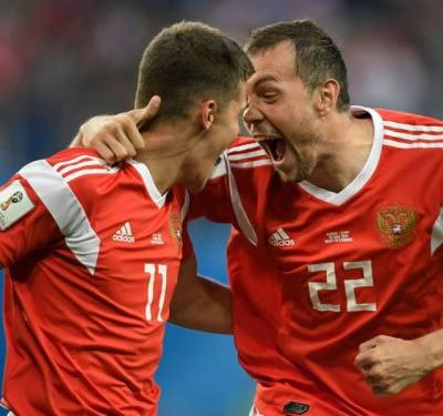 Rampant Russia make record-breaking start at home World Cup