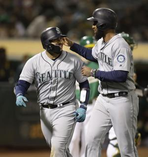 Narváez homers in Mariners' 9-2 win over A's