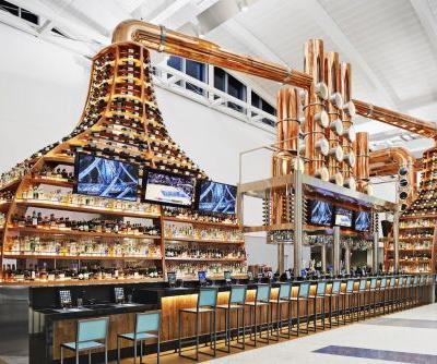 United's terminals at Houston Airport just got a $180 million upgrade. Here are 4 dazzling restaurants travelers can now check out