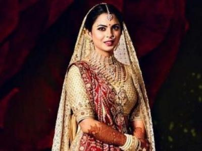 Isha Ambani wore her mom Nita's 35-year-old saree on her wedding day