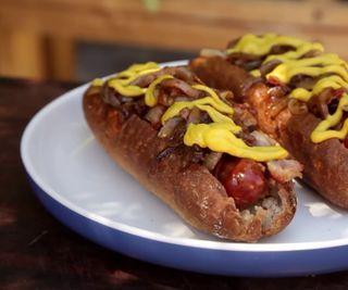How to Cook a New York Inspired Hot Dog