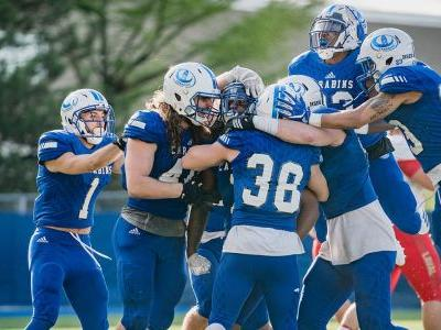 U Sports Football: Caron leads Carabins past Vert de Or