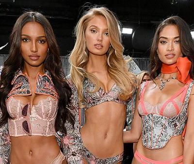 The Gorgeous Nude Lip and Nail Colors the Victoria's Secret Models Wore at the Show