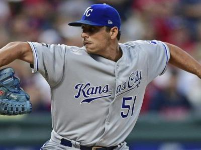 AP Source: Mets, Vargas agree to $16 million, 2-year deal