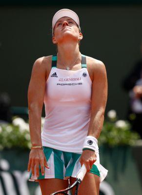 No. 1 Angelique Kerber upset in French Open first round by Ekatarina Makarova