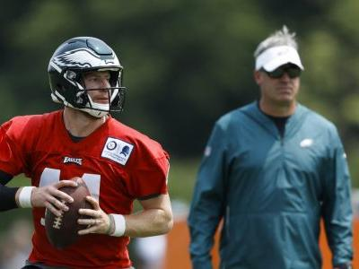 Eagles give Carson Wentz 4-year contract extension