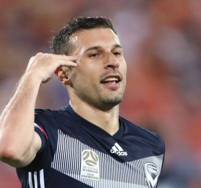 Brisbane Roar 0 Melbourne Victory 5: Barbarouses treble sinks Roar