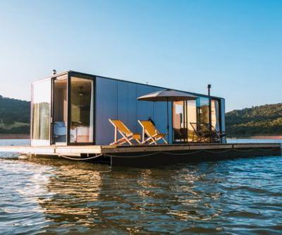 Floating House waterlilliHaus / SysHaus