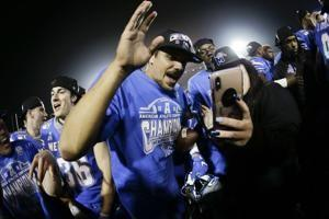 No. 16 Memphis wins AAC title, coach heads to Florida State