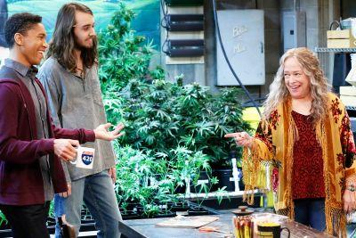 'Disjointed' Trailer: Kathy Bates Doesn't Bogart The Humor In Netflix's New Pot Comedy