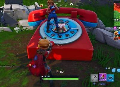 Fortnite week 8 challenge guide: Dial the Durr Burger number on the big telephone