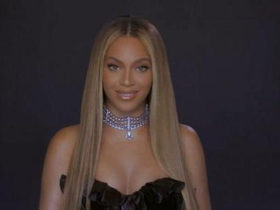 This Video Of Michelle Obama Presenting The BET Humanitarian Award To Beyoncé Is Amazing