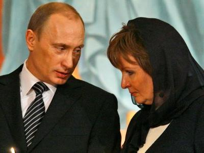 Putin has 2, maybe 3, daughters he never talks about - here's everything we know about them
