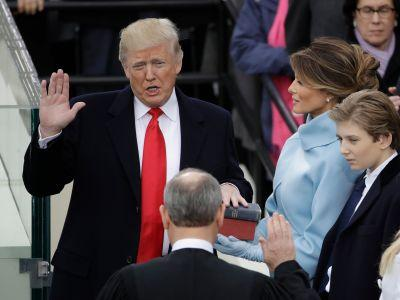 Donald Trump's swearing-in went perfectly - things didn't go so well for Obama in 2009