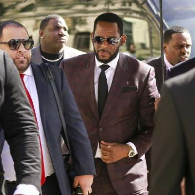 Judge orders R. Kelly held in jail, prosecutors call him 'extreme danger to minor girls'