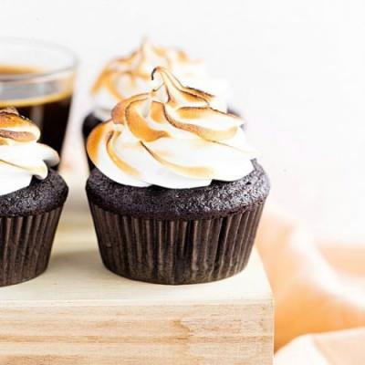 Chocolate Cupcakes w/ Meringue