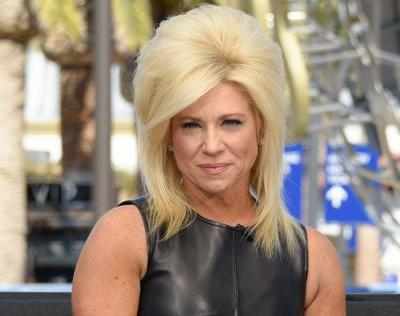 'Long Island Medium' Star Theresa Caputo Is Not Only Psychic - She's Rich AF