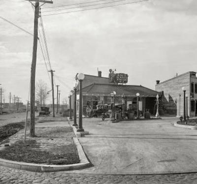 Railroad Avenue: 1925