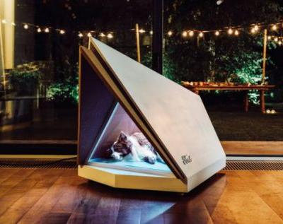 Ford noise-cancelling doghouse blocks loud fireworks