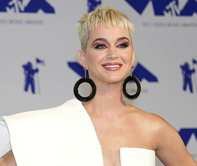 Katy Perry Finally Addresses Plastic Surgery Rumors
